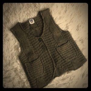 🎉HP🎉 Never Worn Olive Vest